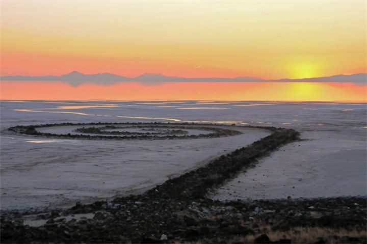 Spiral-Jetty-Great-Salt-Lake-Utah