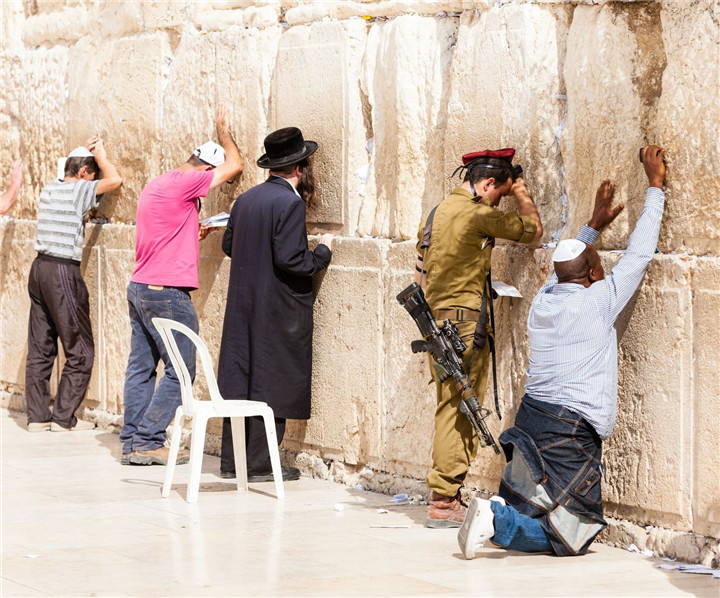 Men-pray-at-the-Western-Wall-Wailing-Wall-Kotel